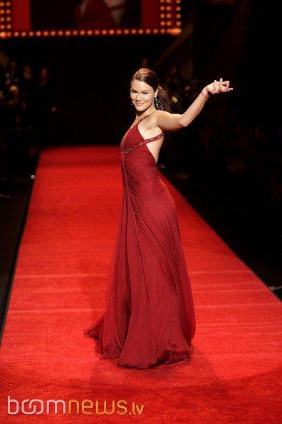 красивые платья для широких плеч